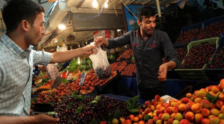 Gıda fiyatları son bir yılda yüzde 54 arttı