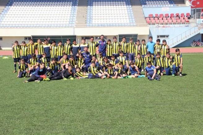 Kars Fenerbahçe Spor Okulu, Ağrı Galatasaray'ı 2-0 yendi