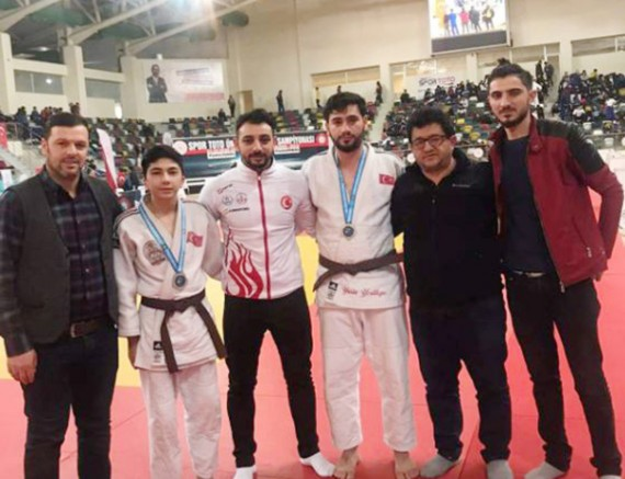 Kars'lı Judocular engelleri aştı