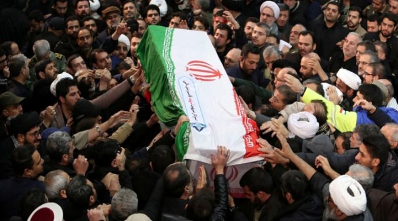 Kasım Süleymani'nin cenazesi Kirman'da toprağa verildi