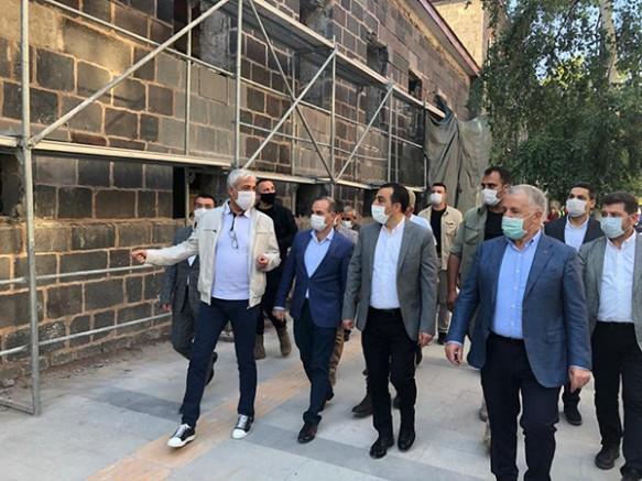 Milletvekilleri Arslan ve Kılıç restorasyonu devam eden projeleri inceledi
