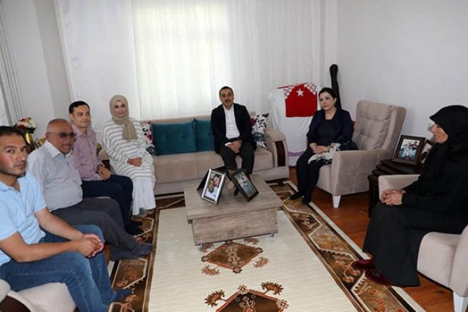 Vali Türker Öksüz, Şehit ailelerini ziyaret etti